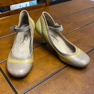 Fly London maryjane/pin up style heel size 38